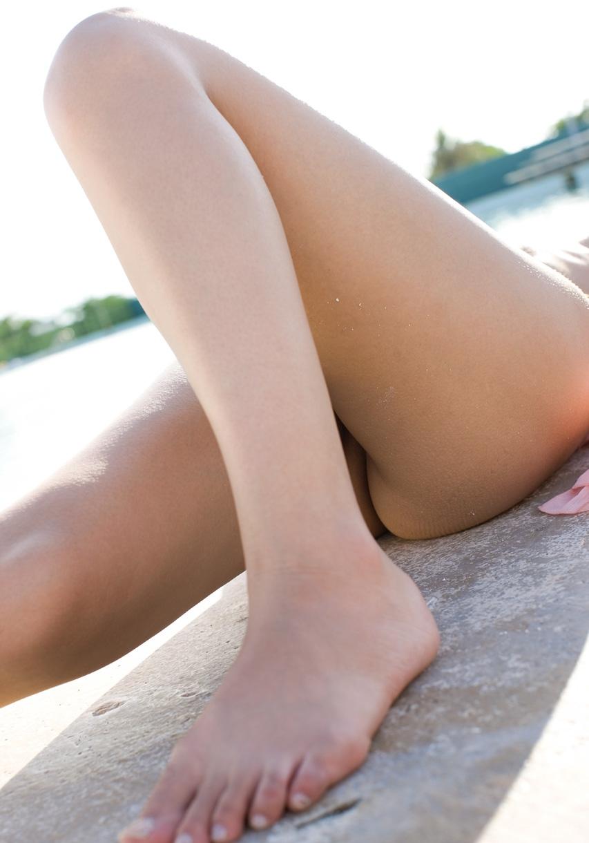ビーチにいる美脚